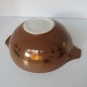Pyrex Early American Cinderella Bowl